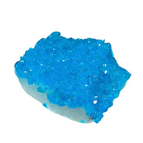 Kupfersulfat gezüchteter blauer Glitzer Kristall auf Matrix Muttergestein.(3750)